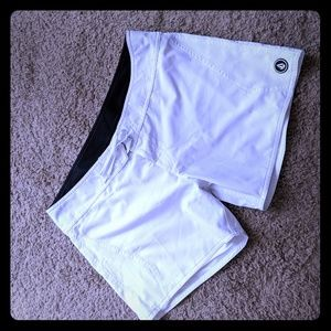 Volcom white board shorts sz 13